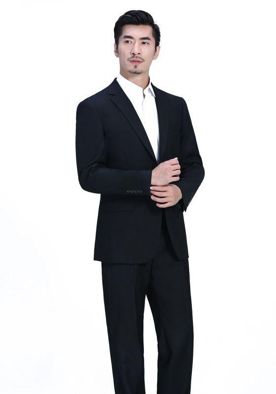 男装夹克定制厂家的选择需要注意哪些方面