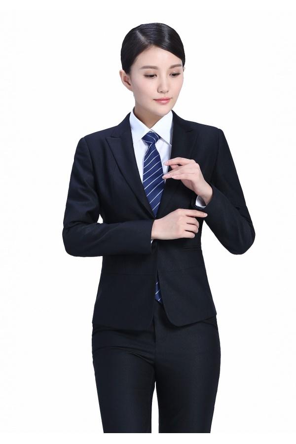 为什么要入手定制西装,定制西装穿着更能提高地位?
